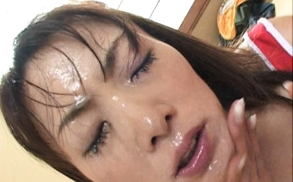 Mirei looks adorable as she waits for them to cum on her face