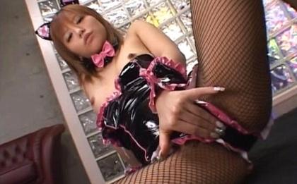 Hitomi Hayasaka making him cum by sucking his hard cock
